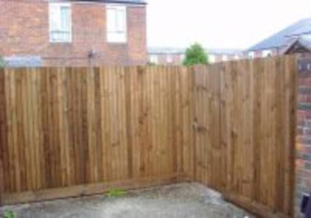 Closeboard with gate